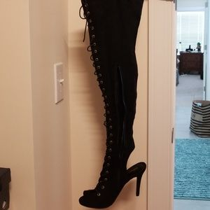 Breckelle brand NEW black lace up heels